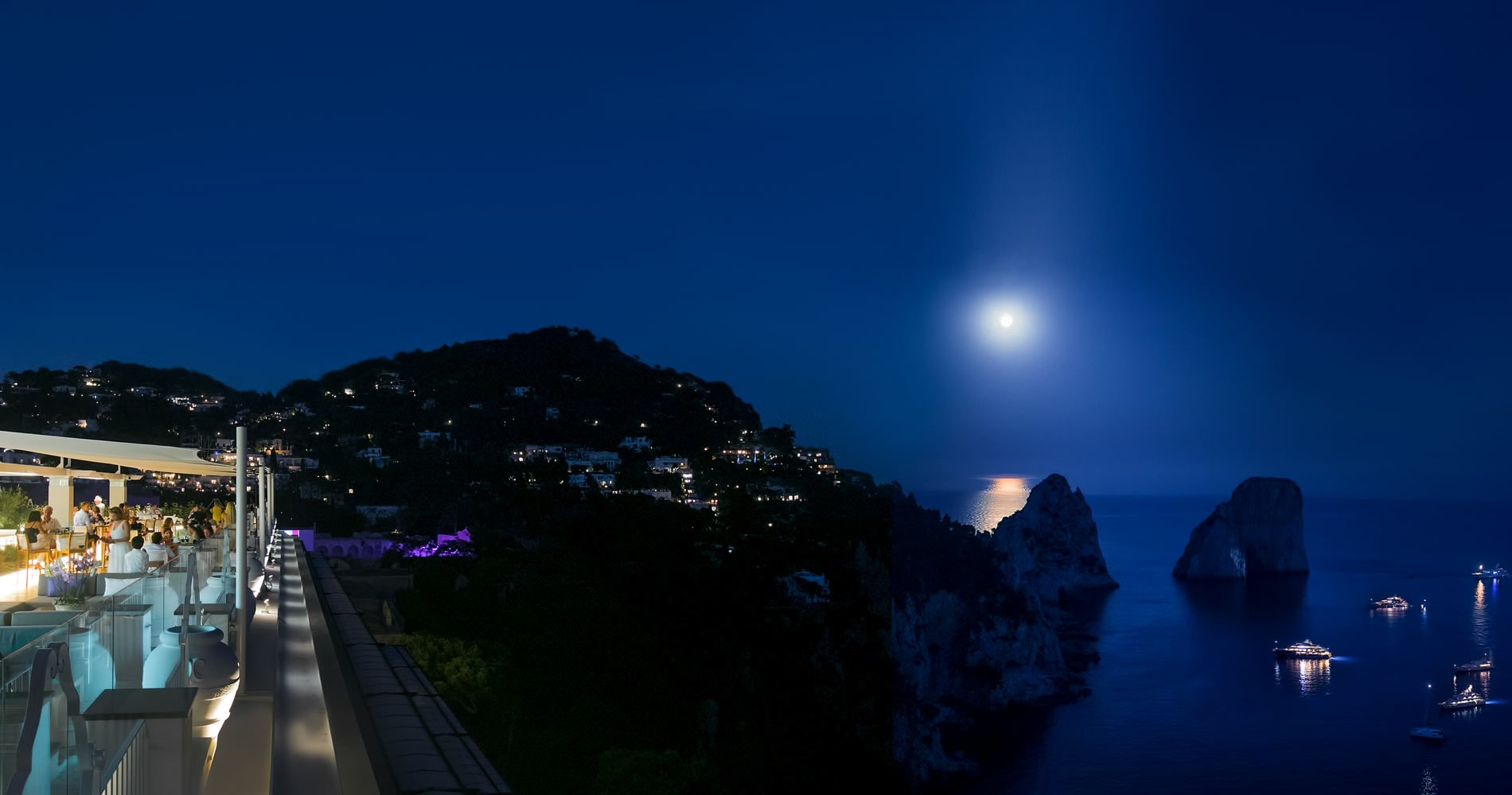 Capri RoofTop - Lounge Bar